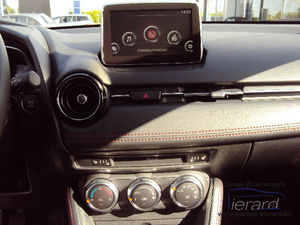 Neuve - Mazda 2 Play LED